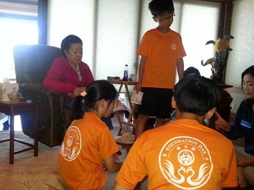 「真の父母様ハワイコナ日程真の子女三世原理教育」で勉強するお孫様達