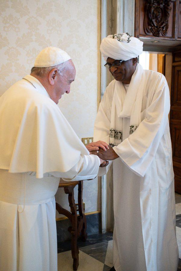 ハマドUPF副会長とローマ教皇